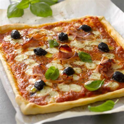 recette pizza maison facile rapide pizza facile facile et pas cher recette sur cuisine actuelle