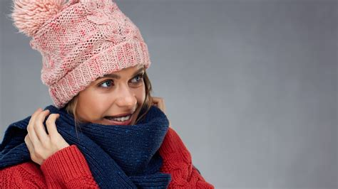 How to wear a hat in winter without ruining your perm