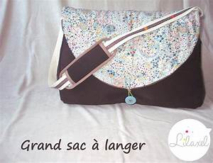 Sac A Langer Original : un sac langer en liberty lilaxel ~ Teatrodelosmanantiales.com Idées de Décoration