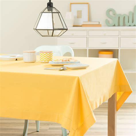 nappe unie en coton jaune moutarde 150 x 250 cm maisons du monde