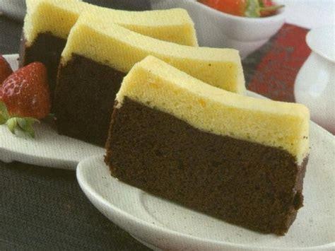 Betapa tidak, hidangan kue yang satu ini persiapan membuat brownies coklat panggang yang nikmat: Resep Kue Brownies Kukus 2 Lapis Coklat Dan Keju