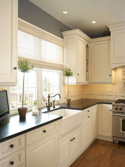Small Square Kitchen Layout Ideas  Wow Blog