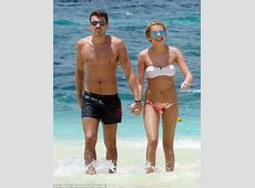 Josh Cuthbert and Chloe Lloyd put on a VERY tactile