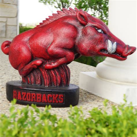 university  arkansas razorbacks tusk statue