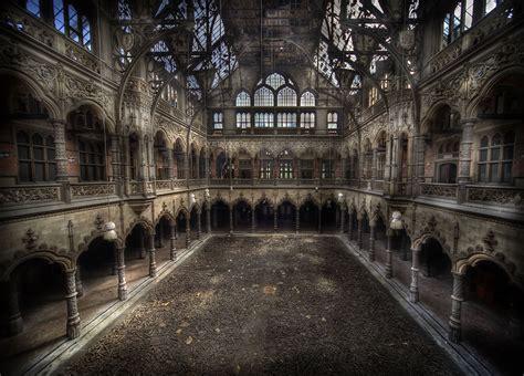 chambre du commerce etienne a beleza assombrosa de lugares abandonados