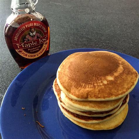 recette pancakes hervé cuisine pancakes authentiques au sirop d érable ma meilleure recette hervecuisine com