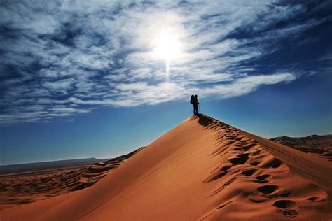 lonely traveler   desert wallpapers  images