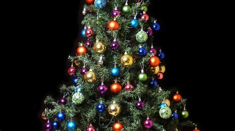 fondo de pantalla arbol de navidad  bolas de colores