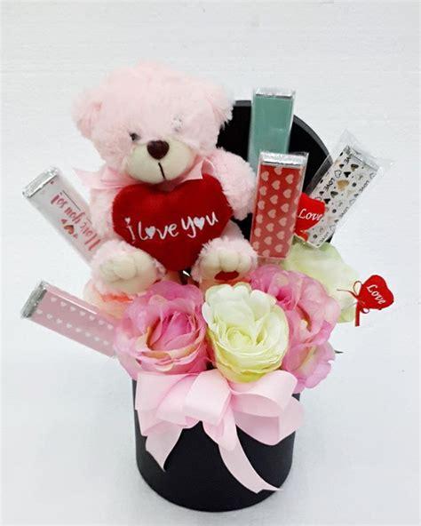 bouquet boneka  coklat toko bunga  florist