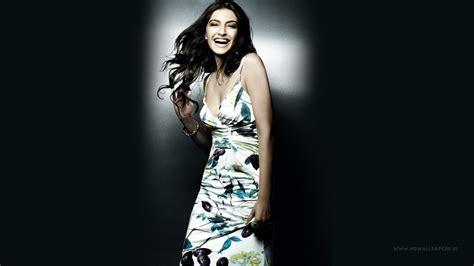 actress sonam kapoor bollywood wallpapers hd wallpapers