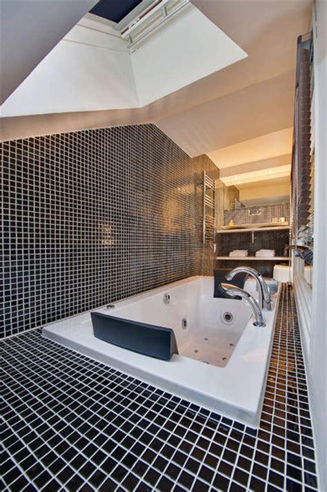 cachee dans la chambre les secrets d 39 une salle de bains ouverte sur la chambre