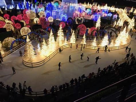 ice skating christmas light trail  florida  year