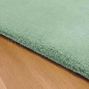 Tapis Vert D Eau : tapis sur mesure vert en laine teint e mic mac par angelo ~ Teatrodelosmanantiales.com Idées de Décoration