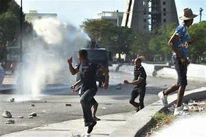 UN council calls for peaceful protests in Haiti - Breitbart
