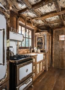 rustic cabin kitchen ideas 25 best ideas about rustic cabin kitchens on log cabin kitchens lake cabin