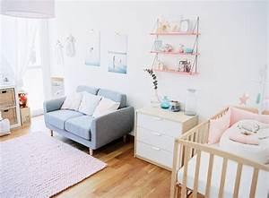 Petit canape gris pour la chambre bebe chambre bebe for Canapé 3 places pour petite deco chambre bebe