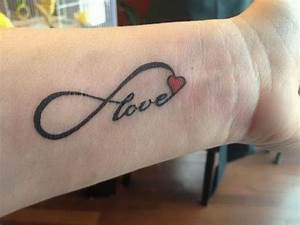 Tatouage Amour éternel : 1001 id es tattoo tatouage amour ternel tatouage ~ Melissatoandfro.com Idées de Décoration
