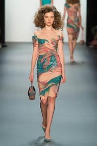 Robe Tendance Ete 2017 : robe mi longue ete 2017 ~ Melissatoandfro.com Idées de Décoration