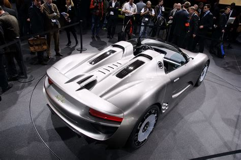 spyder porsche price report claims porsche may price 918 spyder at 630 000 or
