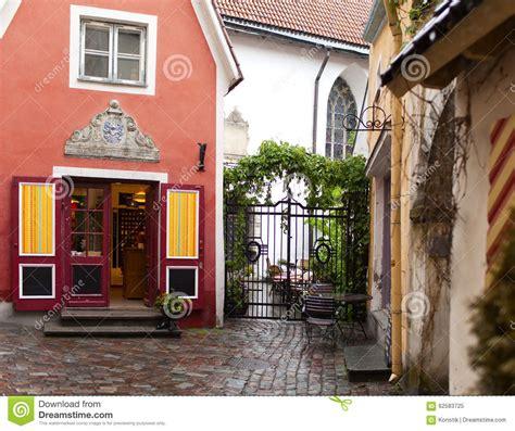 Das Kleinste Haus, Das Haus Des Priesters, In Der