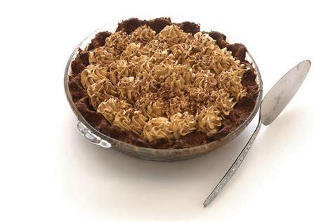 Le honeycomb c'est un genre de caramel à la texture qui assemblez le blum's coffe crunch cake: Recipe: Blum's Coffee Toffee Pie