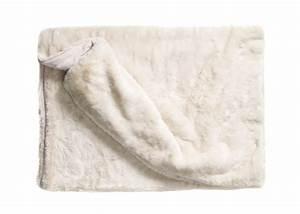Plaid Blanc Fourrure : plaid dessus de lit en fausse fourrure de luxe chez ksl living ~ Teatrodelosmanantiales.com Idées de Décoration