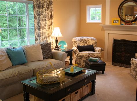 Brown Couch Living Room Wall Colors by How I Furnished My Family Room On A Tight Budget Hooked