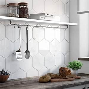 Carrelage Mural Hexagonal : du carrelage hexagonal sur le mur de la cuisine leroy merlin ~ Carolinahurricanesstore.com Idées de Décoration