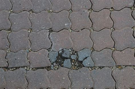 tips to avoid brick pavers from cracking and patio