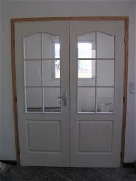 les portes vitr 233 es du salon et de la cuisine la