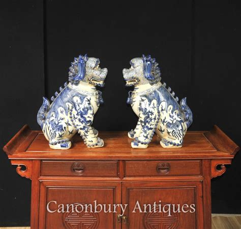 pair nanking blue  white chinese porcelain foo dogs