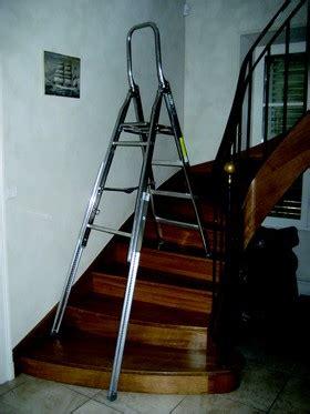 comment tapisser une montee d escalier escabeau pour escalier tr 232 s pratique