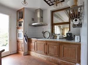 Relooker Une Cheminée Rustique : relooker une cuisine rustique maison travaux ~ Nature-et-papiers.com Idées de Décoration