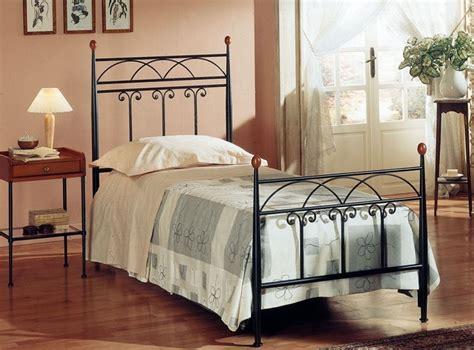 letto baldacchino una piazza e mezza letto in ferro battuto una piazza e mezza maga