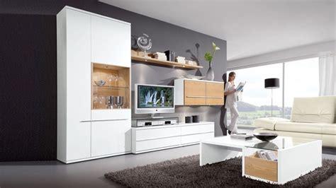 Das Ankleidezimmer Moderne Wohnideenankleideraum In Weiss frisch wohnzimmerm 246 bel wei 223 mit holz wohnzimmerm 246 bel in