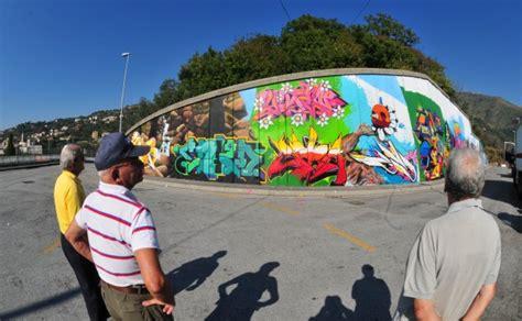 foto fiori amore  fantasia il murale piu grande ditalia