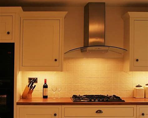 How to choose the right kitchen extractor hood   Home