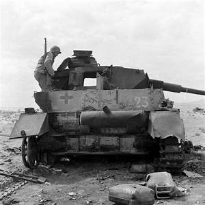 Ww2 Photo Wwii Destroyed German Panzer Tunisia 1943 Pzkpfw