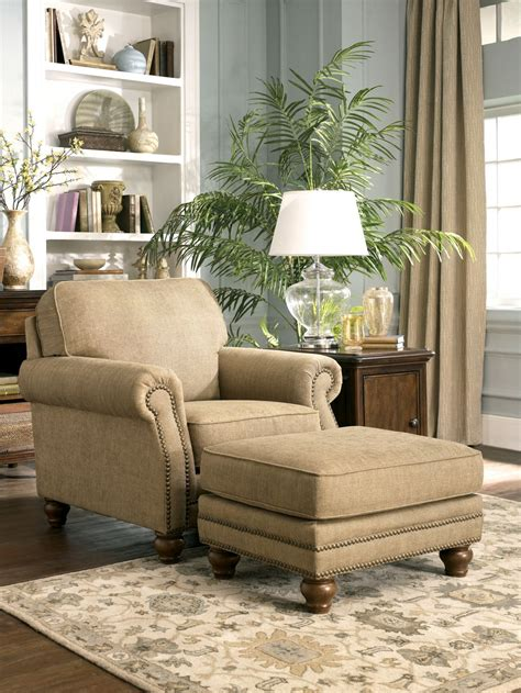 Bedroom Chairs With Ottoman best 25 chair and ottoman ideas on reading