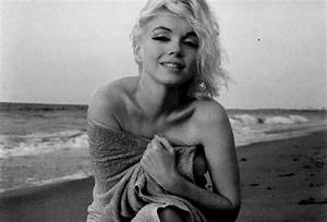 beach, beautiful, black and white, marilyn monroe, pretty ...
