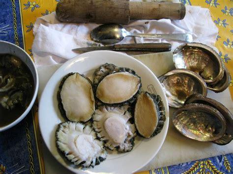cuisiner ormeaux ormeaux poêlés blinis de méteil et feuilles de céleri