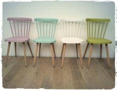 comment peindre une chaise en bois comment repeindre une chaise en bois digpres