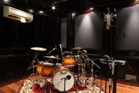 Tak hanya itu, studio pribadi memungkinkan mereka untuk segera mengaransemen lagu begitu mendapat inspirasi. Definisi Akustika Suara Ruang Musik - Produk Peredam Suara Terlengkap dan Terbaik di Indonesia ...