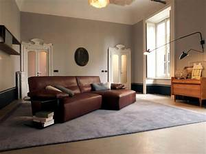 Brown leather sofa interior design ideas ofdesign for Interior design brown leather sofas
