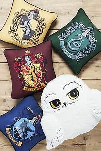 Coussin Harry Potter : primark home nouvelle collection de produits harry potter witchimimi ~ Preciouscoupons.com Idées de Décoration