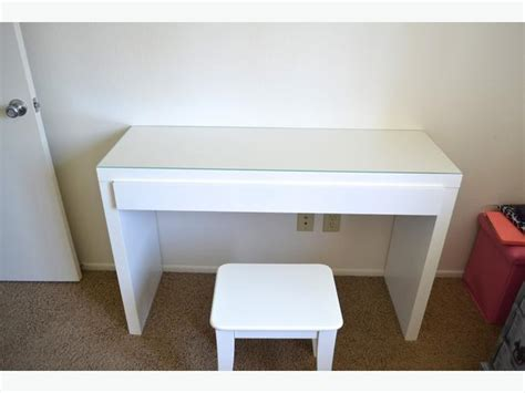 White Ikea Malm Dressing Table/desk Central Ottawa (inside