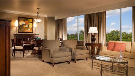 hotel suites  houston omni houston hotel  westside