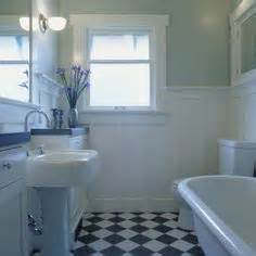 bungalow bathroom ideas 1000 images about bungalow bathrooms on craftsman bathroom bungalow bathroom and