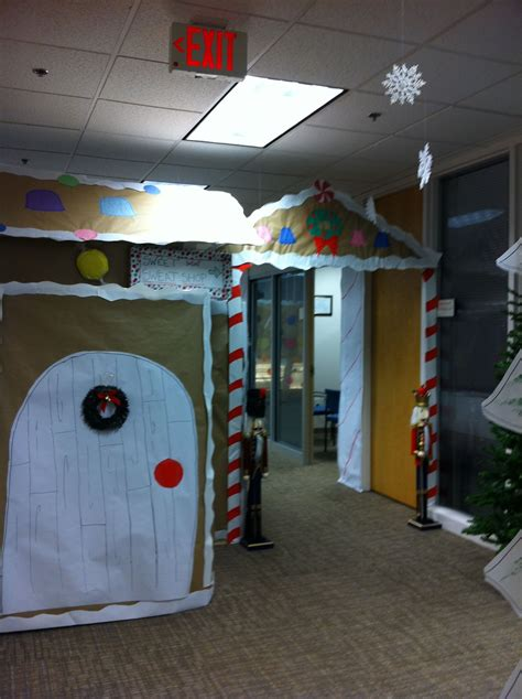 work christmas decorating ideas decorating contest at work cubicle office decorating contest