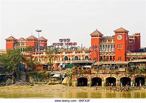 Howrah Railway Station Stock Photos & Howrah Railway ...